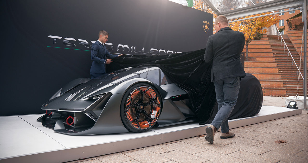 未来のEVスーパースポーツカーはボディー自体に蓄電する!
