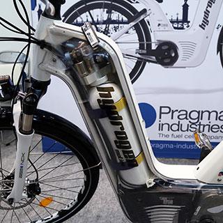 自転車で時速7km 科学的にリスペクトしたい 弱虫ペダル の超絶走法3選 Emira