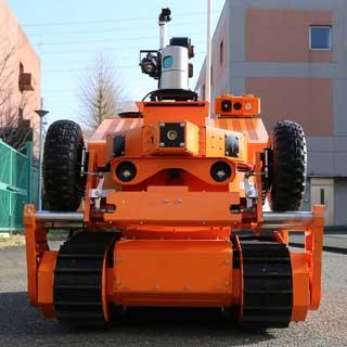 人とロボットが相互協力!安全かつ効率的な消化活動を目指す消防最前線