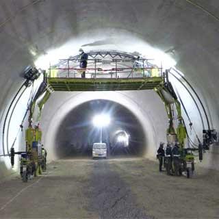 最小の交通規制でOK!老朽化したトンネルを点検する新手法が誕生間近