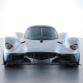 次代のボンドカーは規格外!1000馬力をたたき出す驚異のモンスターエンジンが間もなく登場
