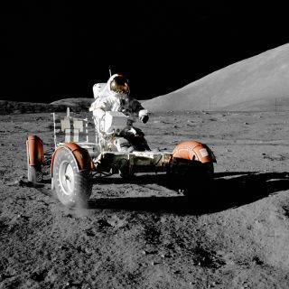 人類初の月面着陸から50年…そんな月にある物質が人類の未来を切り開く!?
