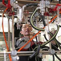 """""""スライムの化学""""で難題を克服! 次世代がん治療法の効果を最大化する魔法の材料とは"""