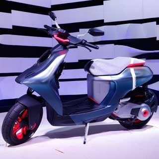 課題は航続距離と出力、充電。バイクの老舗・ヤマハが挑む電動スクーターの未来